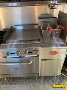 2002 Bus Kitchen Food Truck All-purpose Food Truck Stainless Steel Wall Covers Texas Diesel Engine for Sale