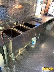 2002 Bus Kitchen Food Truck All-purpose Food Truck Stovetop Texas Diesel Engine for Sale