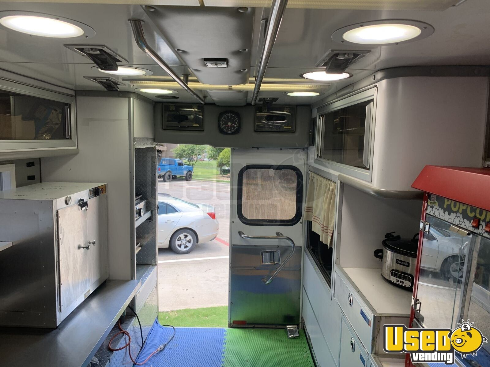 2002 Gmc All-purpose Food Truck Deep Freezer Texas Diesel Engine for Sale - 9