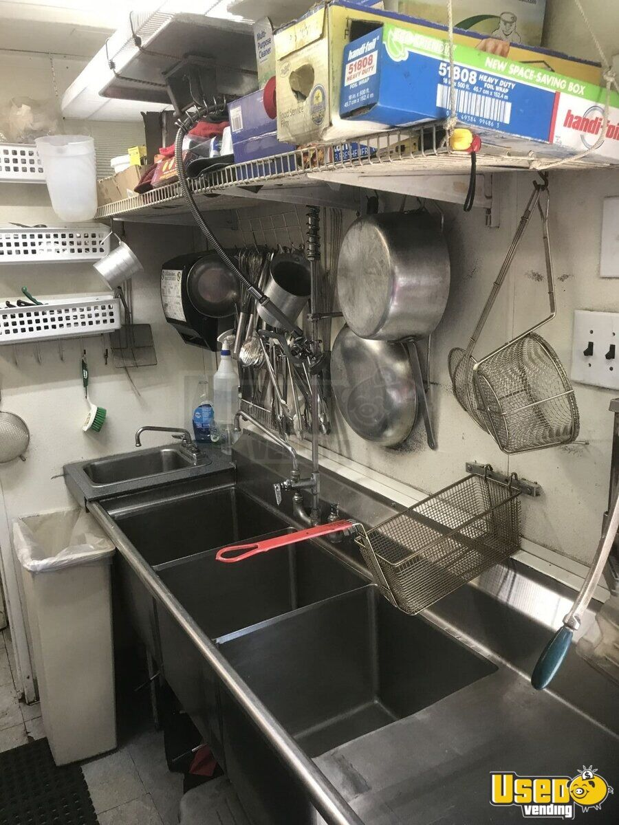 2002 Hallmark All-purpose Food Trailer Generator Texas for Sale - 11