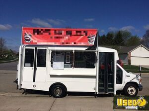 2002 Kitchen Food Truck All-purpose Food Truck Ohio Diesel Engine for Sale