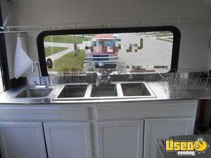 2002 Kitchen Food Truck All-purpose Food Truck Prep Station Cooler Ohio Diesel Engine for Sale