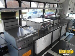 2002 Kitchen Food Truck All-purpose Food Truck Propane Tank Ohio Diesel Engine for Sale