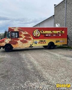 2002 Mt55 Food Truck All-purpose Food Truck Stainless Steel Wall Covers Michigan Diesel Engine for Sale
