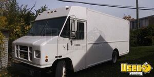 Ready to Transform 2002 International IHC P100 24' Diesel Step Van for Sale in Ohio!
