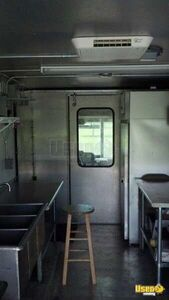 2002 Step Van Barbecue Food Truck Barbecue Food Truck Refrigerator Florida Gas Engine for Sale
