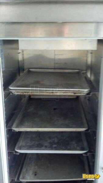 2002 Step Van Barbecue Food Truck Barbecue Food Truck Work Table Florida Gas Engine for Sale - 10