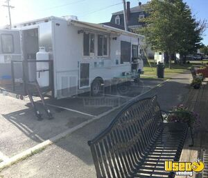 2002 Workhorse Kitchen Food Truck All-purpose Food Truck Air Conditioning Maine Gas Engine for Sale