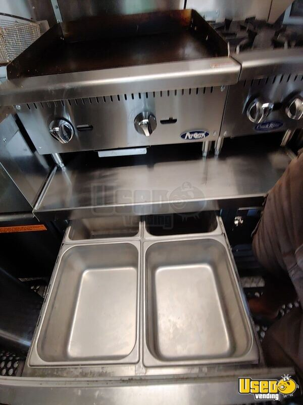 2002 Workhorse P30 Barbecue Food Truck Deep Freezer Virginia Diesel Engine for Sale - 13
