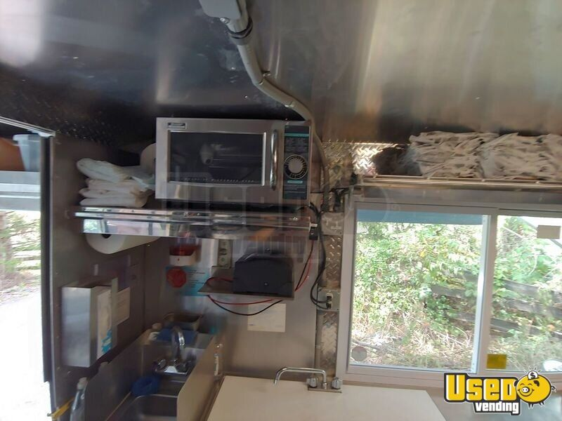 2002 Workhorse P30 Barbecue Food Truck Exhaust Hood Virginia Diesel Engine for Sale - 25