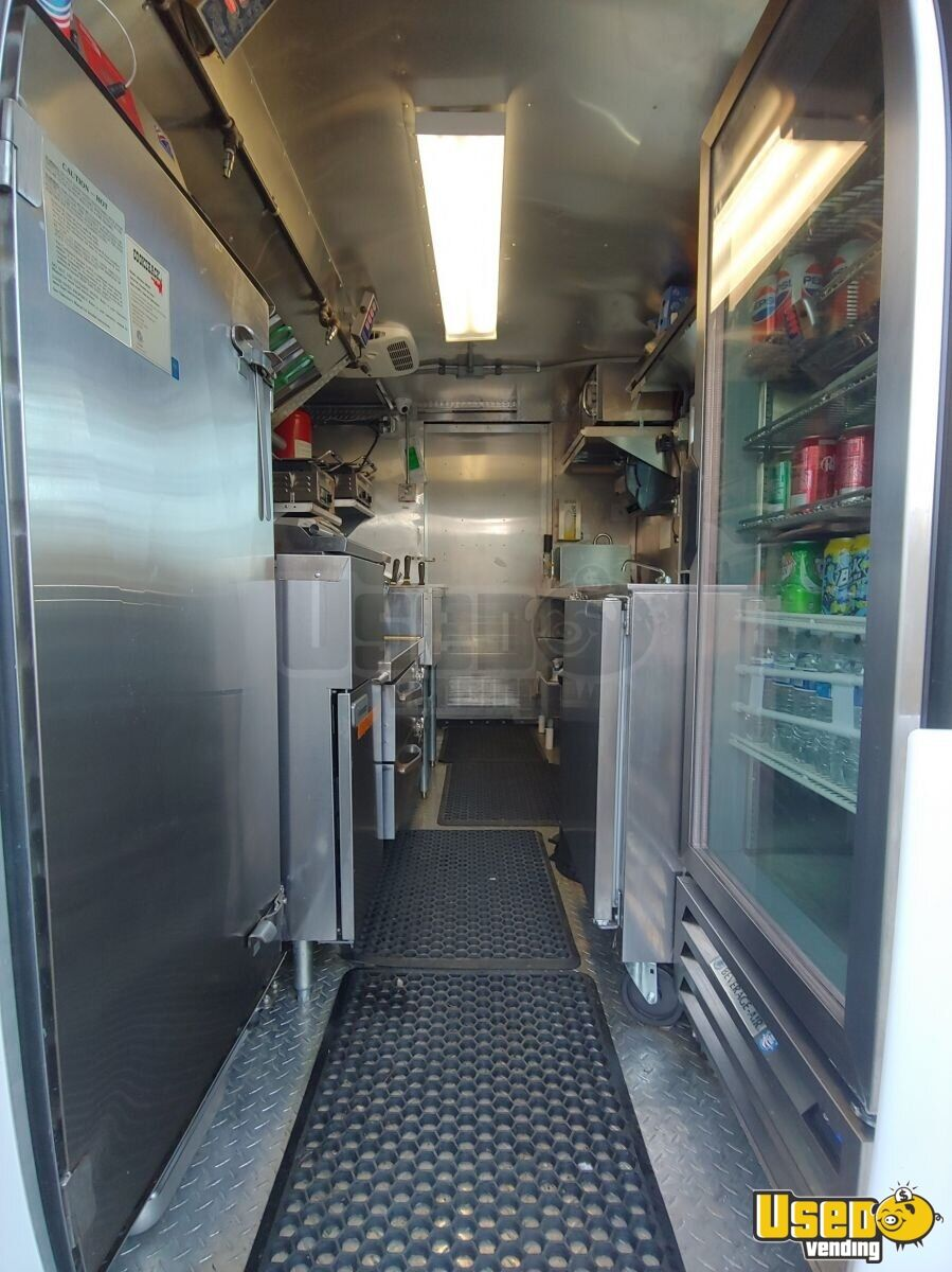 2002 Workhorse P30 Barbecue Food Truck Exterior Customer Counter Virginia Diesel Engine for Sale - 7