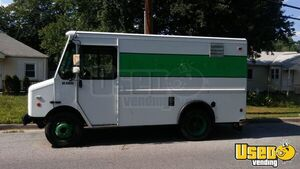 2002 Workhorse P30 Step Van Kitchen Food Truck All-purpose Food Truck Concession Window Maryland Gas Engine for Sale