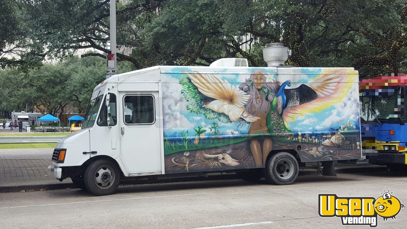 2003 Chevy Workhorse All-purpose Food Truck Air Conditioning Texas Gas Engine for Sale - 2