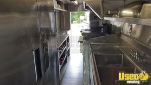 2003 Chevy Workhorse All-purpose Food Truck Diamond Plated Aluminum Flooring Texas Gas Engine for Sale