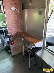 2003 Ford Utility Master Pizza Food Truck Transmission - Automatic Florida Gas Engine for Sale