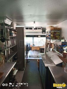 2003 Freitliner M-line Walk In V All-purpose Food Truck Cabinets Michigan Diesel Engine for Sale