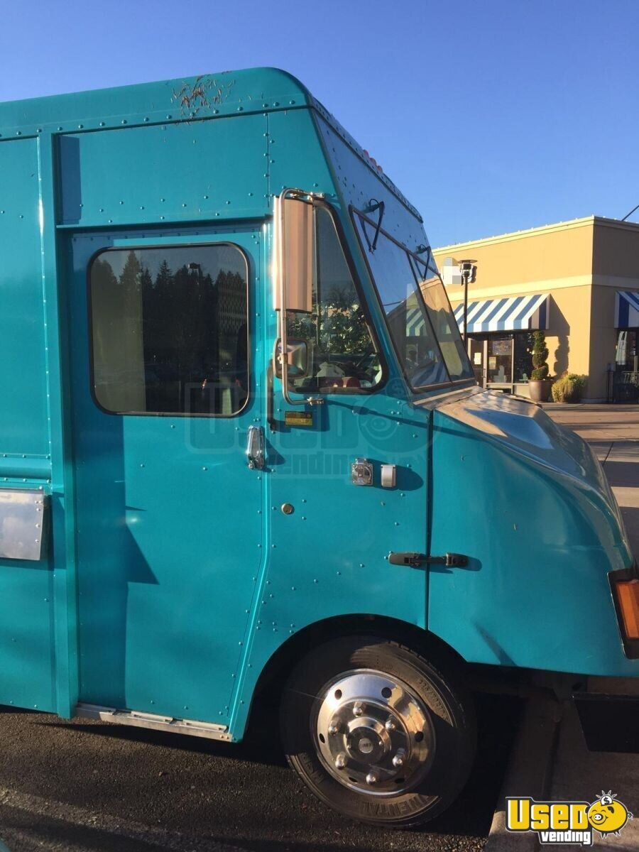 2003 Frht Chases Truck All-purpose Food Truck Spare Tire Washington Diesel Engine for Sale - 3