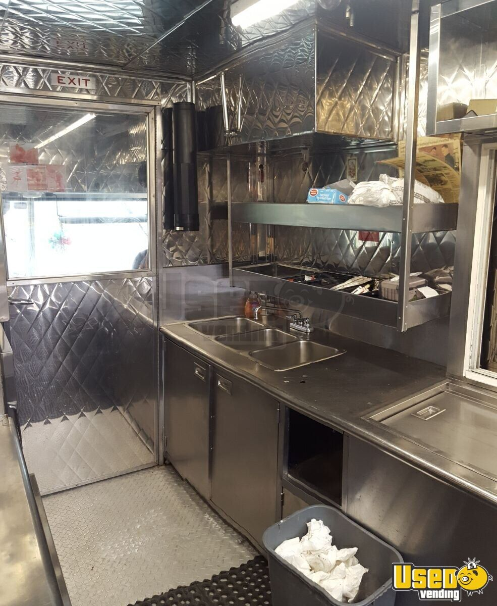2003 Gmc Workhorse All-purpose Food Truck Insulated Walls New York Gas Engine for Sale - 4