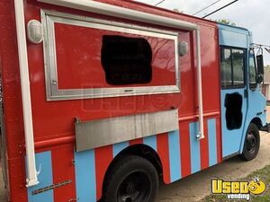 2003 P42 Food Truck All-purpose Food Truck Air Conditioning Texas Diesel Engine for Sale