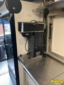 2003 P42 Food Truck All-purpose Food Truck Shore Power Cord Texas Diesel Engine for Sale