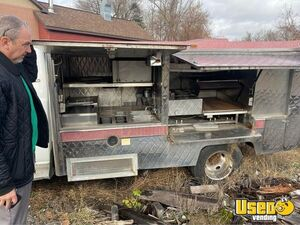 2003 Sierra Lunch Serving Canteen Style Food Truck Lunch Serving Food Truck Steam Table New York Gas Engine for Sale