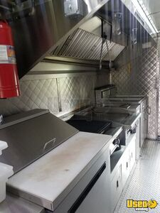 2003 Step Van Kitchen And Catering Food Truck All-purpose Food Truck Cabinets New York Gas Engine for Sale