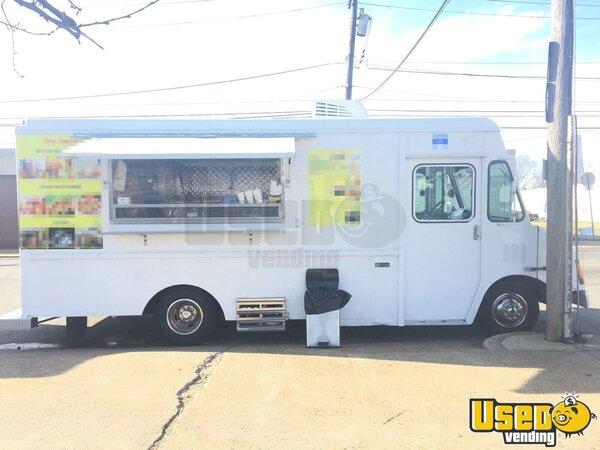 2003 Workhorse Food Truck Pennsylvania Gas Engine for Sale