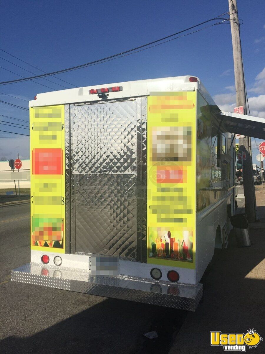 2003 Workhorse Food Truck Stainless Steel Wall Covers Pennsylvania Gas Engine for Sale - 3