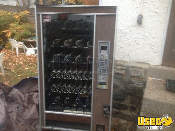 2004 Automatic Products Snack Machine Pennsylvania for Sale