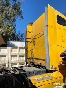 2004 Columbia Sleeper Cab Semi Truck Freightliner Semi Truck 4 California for Sale