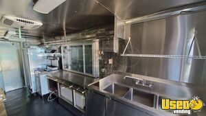 2004 E450 Kitchen Food Truck All-purpose Food Truck Cabinets Texas Gas Engine for Sale