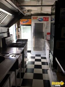 2004 Food Concession Trailer Kitchen Food Trailer Removable Trailer Hitch Ontario for Sale