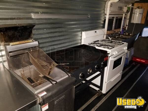 2004 Ford E-450 Food Truck Exhaust Hood Tennessee Diesel Engine for Sale - 7