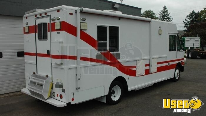 2004 Freightliner Mt45 All-purpose Food Truck Air Conditioning Hawaii Diesel Engine for Sale - 2