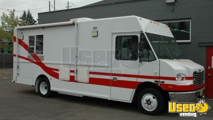 2004 Freightliner Mt45 All-purpose Food Truck Stainless Steel Wall Covers Hawaii Diesel Engine for Sale - 5