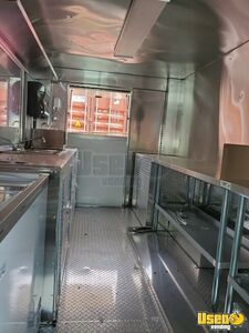 2004 Mt45 Kitchen Food Truck All-purpose Food Truck Backup Camera New York Diesel Engine for Sale