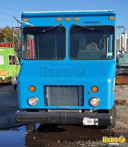 2004 Mt45 Kitchen Food Truck All-purpose Food Truck Cabinets New York Diesel Engine for Sale