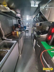 2004 Mt45 Kitchen Food Truck All-purpose Food Truck Exterior Customer Counter New York Diesel Engine for Sale