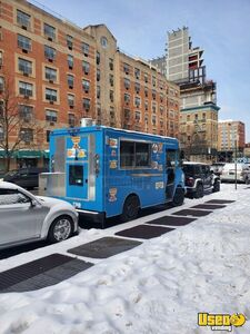 2004 Mt45 Kitchen Food Truck All-purpose Food Truck Insulated Walls New York Diesel Engine for Sale