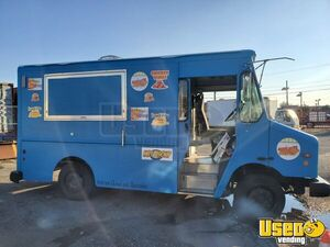 2004 Mt45 Kitchen Food Truck All-purpose Food Truck New York Diesel Engine for Sale