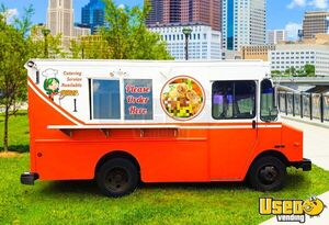 2004 P42 Kitchen Food Truck All-purpose Food Truck Ohio Diesel Engine for Sale