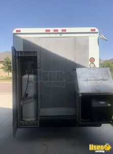 2004 W8 Step Van Kitchen Food Truck All-purpose Food Truck Exterior Customer Counter South Dakota Diesel Engine for Sale