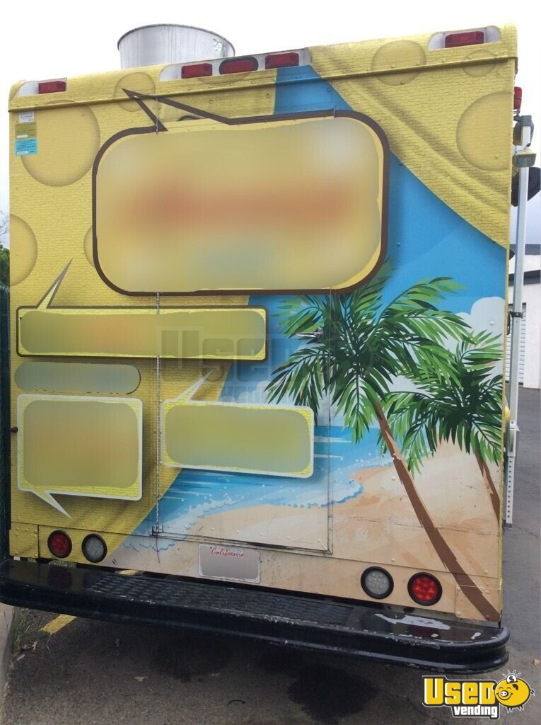 2004 Workhorse. Gmc All-purpose Food Truck Stainless Steel Wall Covers California Gas Engine for Sale - 4