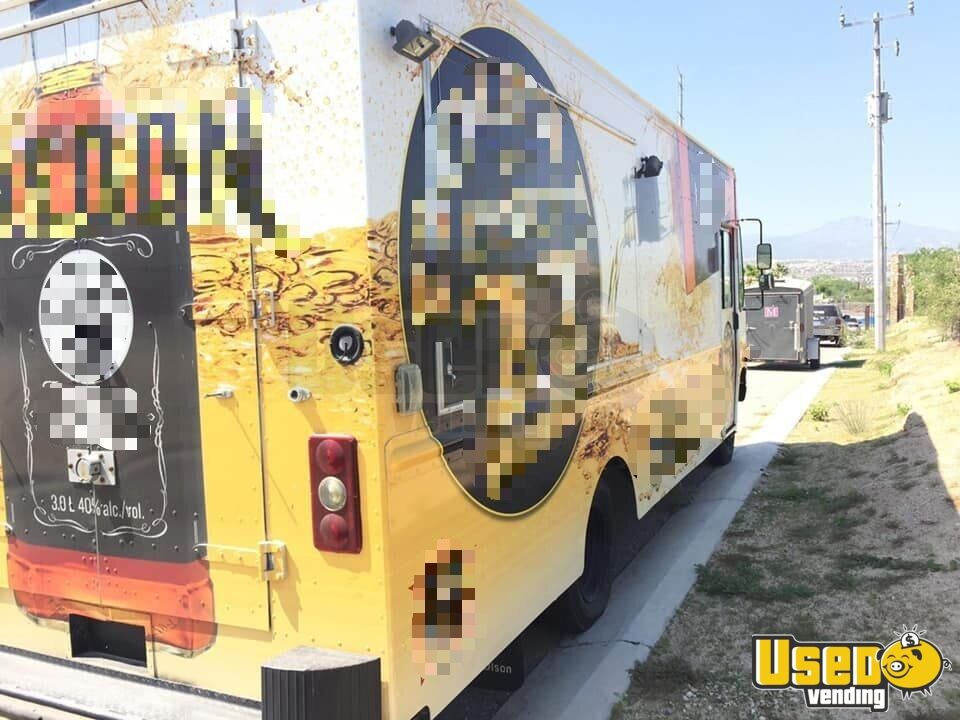 2004 Workhorse P42 Coffee Truck Generator Indiana for Sale - 3