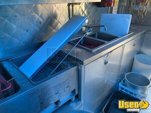 2005 28' Diesel All-purpose Food Truck Exhaust Hood New York Diesel Engine for Sale