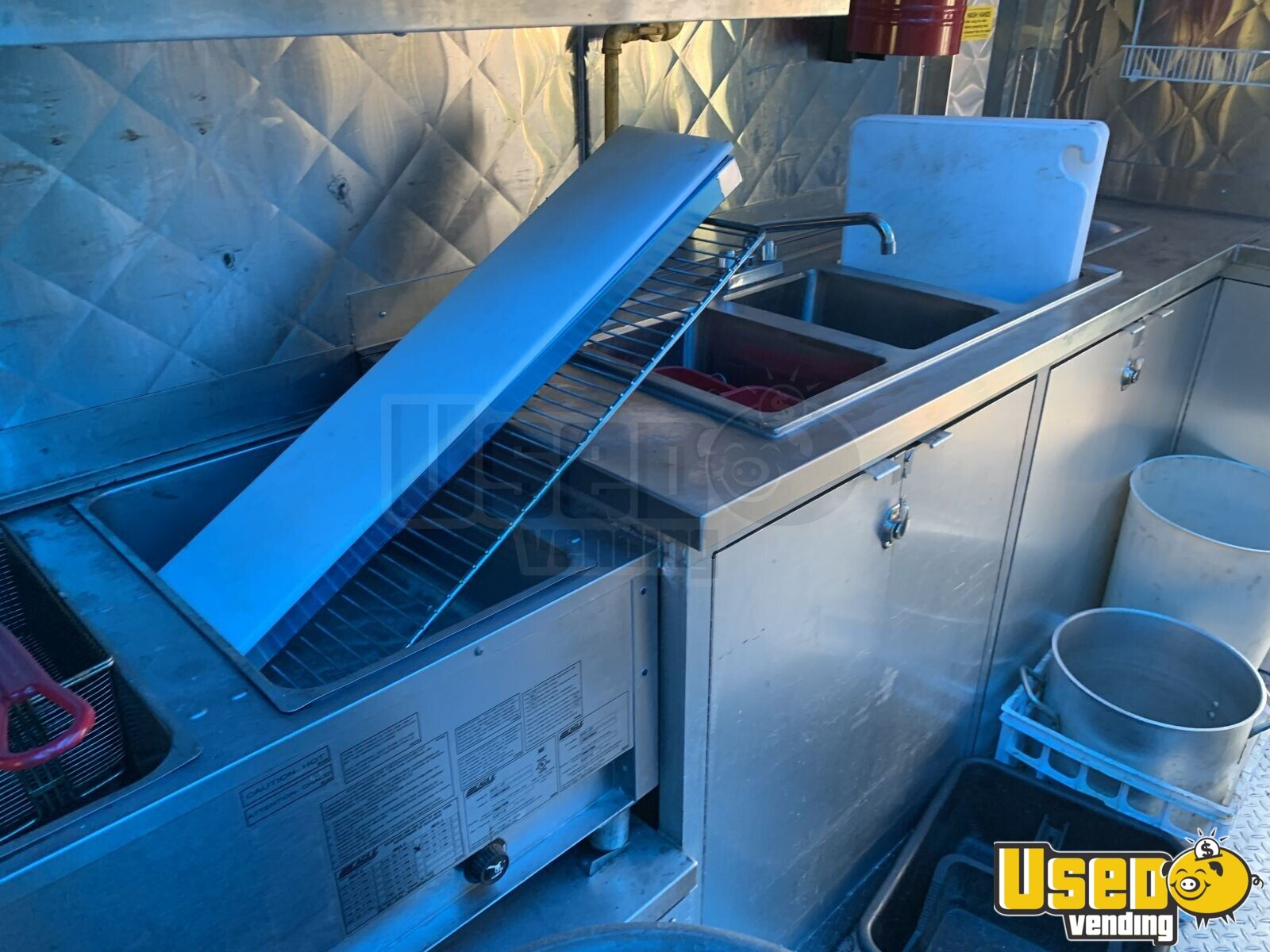 2005 28' Diesel All-purpose Food Truck Exhaust Hood New York Diesel Engine for Sale - 22