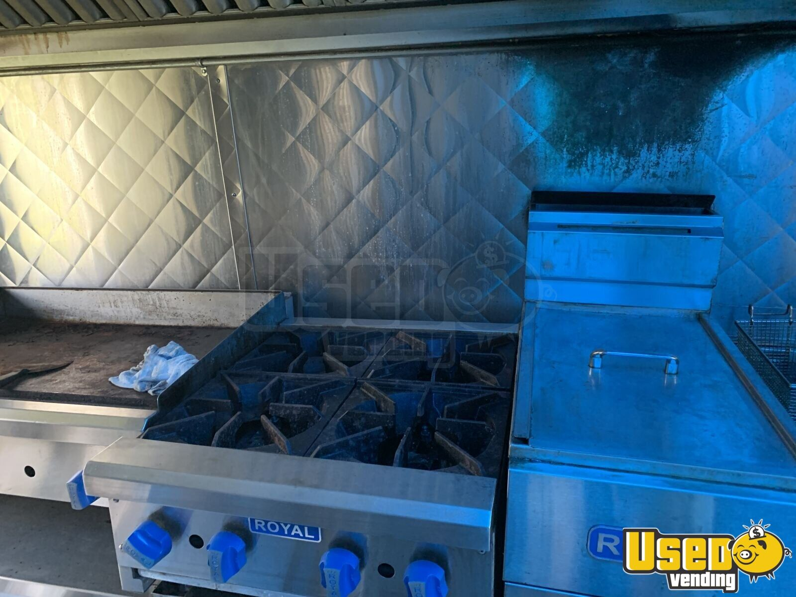 2005 28' Diesel All-purpose Food Truck Flatgrill New York Diesel Engine for Sale - 16
