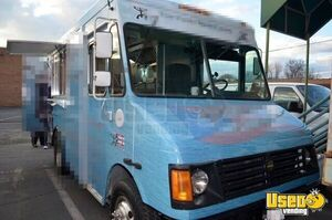 2005 Chevrolet P30 Workhorse Step Van Food Truck Cabinets Virginia Gas Engine for Sale
