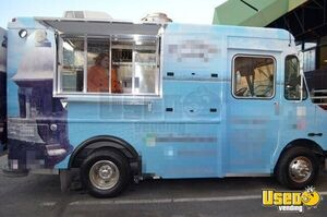 2005 Chevrolet P30 Workhorse Step Van Food Truck Concession Window Virginia Gas Engine for Sale