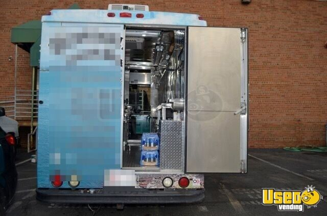 2005 Chevrolet P30 Workhorse Step Van Food Truck Insulated Walls Virginia Gas Engine for Sale - 6